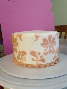 Practicing Stenciling on Cakes