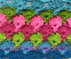 crochetingclub: puntos cruzados  crossed stitches.