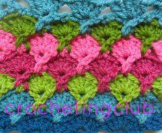 crochetingclub: puntos cruzados  crossed stitches.