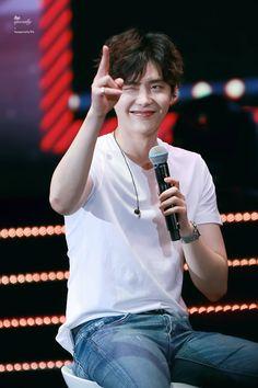 Lee jong suk is a charming boy with a charming look Lee Jong Suk Cute, Lee Jung Suk, Kang Chul, Hyun Suk, Song Joong, Joong Ki, Asian Actors, Korean Actors, Lee Dong Wook