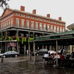 Cafe du Monde New Orleans - the most amazing beignets and coffee while listening to wondering saxophone soloist.