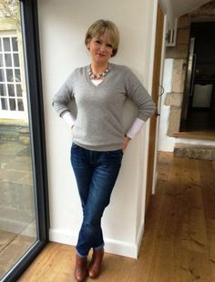 Awesome Casual Outfits For Women Over 40 #women'sfashionforover50 #women'sfashionover40