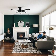 Realistic Products Of Fine Living Room Decor Inspiration Around The Usa - Home Decor Done Right Green Accent Walls, Accent Walls In Living Room, Accent Wall Bedroom, Living Room Green, Living Room Modern, Small Living, Living Room Decor Inspiration, Diy Living Room Decor, Living Room Furniture