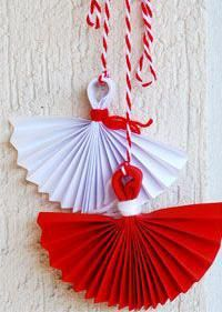 Делаем мэрцишор своими руками Christmas Crafts, Christmas Decorations, Christmas Ornaments, Holiday Decor, Craft Activities For Kids, Crafts For Teens, Indonesian Decor, Easy Crafts, Diy And Crafts