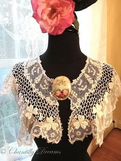 Antique Irish Schiffli Lace and Hand Embroidered Batiste Shamrocks Capelet