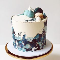 Blue You are in the right place about white Cake Design Here we offer you the most beautiful pictures about the Cake Design anniversaire fille you are looking for. When you examine the Blue part of th Buttercream Bakery, Buttercream Cake Designs, Buttercream Birthday Cake, Blue Birthday Cakes, Beautiful Birthday Cakes, 40th Birthday Cake For Men, Birthday Cake For Boyfriend, 70th Birthday, Birthday Gifts