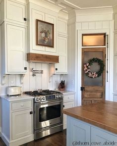 Layout Design, Design Grill, Refacing Kitchen Cabinets, Corner Cabinets, Brown Cabinets, Cabinet Refacing, Base Cabinets, Cabinet Doors, Kitchen Appliances