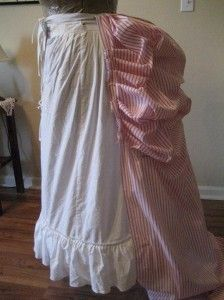How to make an 1870s bustle skirt video tutorial - lots! of info on this site for 'historical' sewing