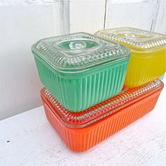 Vintage Ribbed Glass Colorful Refrigerator Dishes Set of 3 from twolittleowls on Etsy. Saved to Etsy. Vintage Kitchenware, Vintage Dishes, Vintage Glassware, Vintage Pyrex, Antique Dishes, Vintage Bowls, Vintage Refrigerator, Vintage Fridge, Kitchen Gadgets