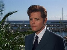 See? Jack Lord's hair has a life of its own, starting about right here! It made you wonder if everyone in Hawaii had hair like this!! Hawaii Five-O Original Series | Screenshots