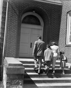 Why You Should Go to Church (Even If You're Not Sure of Your Beliefs)   The Art of Manliness
