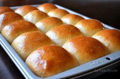 La Petite Brioche: King's Hawaiian Bread - used bread flour instead of all purpose; 1 egg and 1/2 cup of sugar when halving the recipe