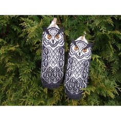 Owl mittens with knit-on ears. The PDF has longer and shorter mittens option. You can knit them in straight or negative colors; Mittens Pattern, Knit Mittens, Mitten Gloves, Universal Yarn, Crochet Fall, Baby Scarf, Christmas Knitting Patterns, Lang Yarns, Cascade Yarn