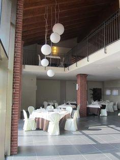 Gruppo di sfere per illuminazione sala da pranzo centrale: progetto Cerutti illuminazione