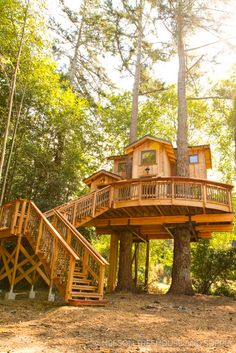 Architecture House Wood Love this treehouse on orca island designed by Pete Nelson from Treehouse masters Tree House Masters, Beautiful Tree Houses, Cool Tree Houses For Kids, Tree House Plans, Tree House Designs, Orcas Island, Island Design, Cabin Homes, Tree House Homes