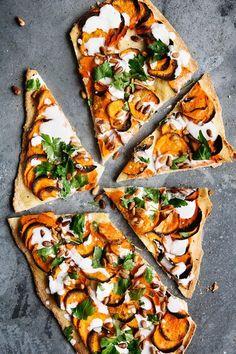 Godt nytår! Pizza med sød kartoffel, spidskommen og yoghurt