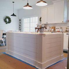 34 Best Farmhouse Kitchen Island Decor Ideas On a Budget Farmhouse Kitchen Island, Kitchen Island Decor, Kitchen Redo, New Kitchen, Kitchen Ideas, Kitchen Islands, Kitchen Cabinets, Ship Lap Kitchen, Kitchen Island Ends