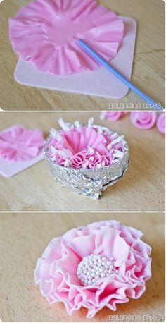 How to make a ruffled fondant or gumpaste flower (Balancing Bites).