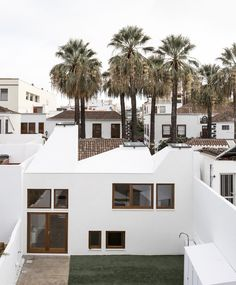 Image 1 of 26 from gallery of Los Llanos of Aridane House / Albert Brito Arquitectura. Photograph by Flavio Coddou