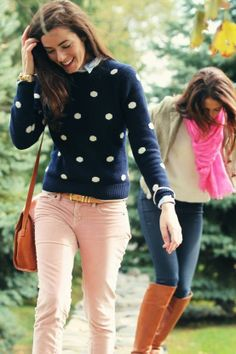 Cute sweater! Could look really good with a light pink pair of pants.