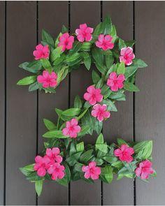 27 Disney Moana Birthday Party Ideas - Pretty My Party - Party Ideas : DIY Moana Party Floral Number Decor Hawaiian Birthday, Flamingo Birthday, Luau Birthday, Flamingo Party, 4th Birthday Parties, Birthday Ideas, Birthday Door, Birthday Design, Moana Birthday Party Theme