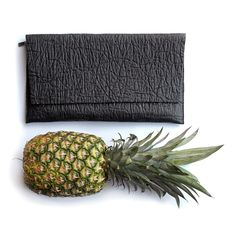 In an industry riddled with leather jackets, fur coats, cashmere sweaters and woolen scarves, animal-free fashion may seem like a far off dream. Vegan Fashion, Ethical Fashion, Pineapple Leather, Pineapple Fabric, Leather Industry, Vegan Clothing, Textiles, Shoe Art, Sustainable Fashion
