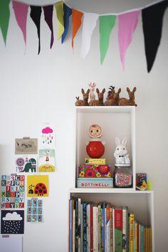 Tiny Little Pads - Interiors for Kids: Scandinavian Retro Kids Room Inspiration. Girls Bedroom, Bedroom Decor, Design Bedroom, Casa Kids, Electronic Toys, Deco Design, Boy Room, Child's Room, Room Set
