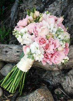 The ruffled bell shape blooms of this flower will add a decidedly vintage feel to your wedding décor.