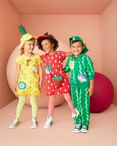DIY Kid Costumes Organic Fruits Costumes For Little Kids, Cute Toddler Halloween Costumes, Pregnant Halloween Costumes, Diy Halloween Costumes For Kids, Pineapple Halloween Costume Ideas, Pineapple Costume, Maternity Halloween, Halloween Tutorial, Toddler Costumes