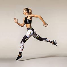 Women's Floral Print Yoga Fitness Pants. Look feminine and flirty at the gym and work out in style.