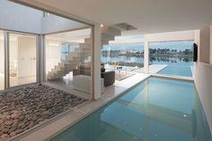 modernes Innenschwimmbad - Projekt von Vanguarda Architects