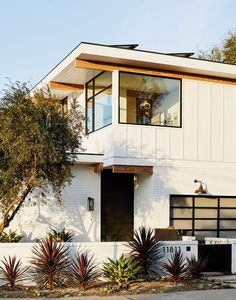 Modern design frequently gets a reputation for being cold or uninviting; Janice Barta's LA home proves otherwise. The designer built her mid-century modern home completely for scratch, infusing it with inviting and colorful elements along the way.