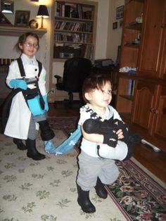 Children cosplaying as Medic and Heady from 'Team Fortress 2'.
