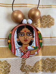 Antic Jewellery, Diy Fabric Jewellery, Textile Jewelry, Handmade Wire Jewelry, Handmade Jewelry Designs, Terracotta Jewellery Making, Jewelry Design Drawing, Round Pendant, Durga