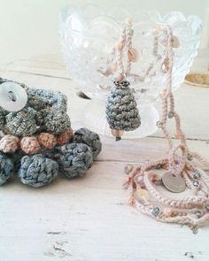 Bracciali bubble e collana Elsa crochet fatti a mano