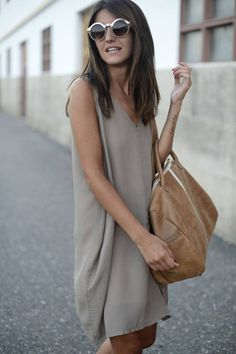 Easy Summer.....love this dress and bag combination