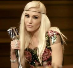 "'The Voice' coaches Alicia Keys, Adam Levine, Gwen Stefani and Blake Shelton recorded an acoustic cover version of TLC's 1994 ballad ""Waterfalls. Gwen Stefani Mode, Gwen Stefani No Doubt, Gwen Stefani And Blake, Gwen Stefani Style, Gwen Stephanie, Blonde Singer, Gwen And Blake, Blonde Hair Looks, Nostalgia"