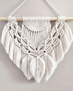 Macrame Art, Macrame Design, Macrame Projects, Macrame Knots, Crochet Projects, Macrame Plant Hanger Patterns, Macrame Patterns, Handmade Crafts, Decoration