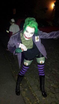 The Joker Halloween makeup and clothes - #clothes #Halloween #Joker #Makeup Diy Joker Costume, Female Joker Costume, Diy Halloween Costumes, Pirate Costumes, Female Villain Costumes, Halloween Kostüm Joker, Halloween 2019, Halloween Make Up, Joker Make-up