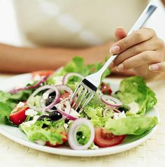 Eating slowly is the best way to lose weight without following a strict diet plan...
