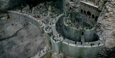 Helm's Deep (Lord Of The Rings)- Helm's deep is portrayed in the movie exactly how it is written in the corresponding novels and I found that remarkable. Helms Deep, Sci Fi Environment, The Two Towers, Lego Castle, Dark Lord, Fortification, Beautiful Mind, Film Stills, Lord Of The Rings