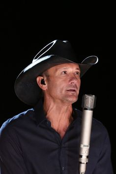 Tim McGraw Defends Sandy Hook Concert After Gun Advocate Backlash