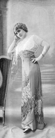 Evening gown by Drecoll, Les Modes July 1911.