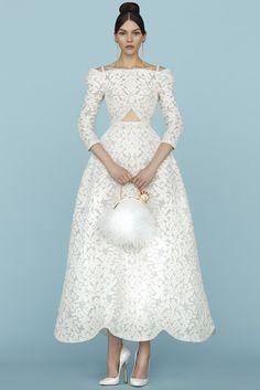 Ulyana Sergeenko (SS 2015) #PFW #weddingdresses #vestidodenovia #tendenciasdebodas