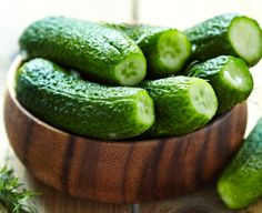 Cucumber is a common vegetable, which is favored by many people for its rich health benefits. Is cucumber good for lowering creatinine level? Cucumber is good for lowering creatinine level. Cucumber juice is a diuretic, encouraging wastes r Cucumber For Skin, Cucumber Juice, Cucumber Recipes, Cucumber Health Benefits, Glowing Skin Diet, Healthy Tips, Healthy Recipes, Healthy Foods, Healthy Options