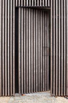 Hunting overseer's home Sint-Denijs-Westrem – Callebaut Archite … – Door Ideas Wooden Cladding Exterior, Wooden Facade, House Cladding, Timber Cladding, Exterior Doors, Wood Architecture, Architecture Details, Facade Design, Exterior Design