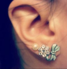 Cute Ear Piercing With Diamond For Girl