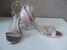 684662fbe Luxusní dámské metalické kožené sandály, sandále na podpatku - vinted.cz/550  KČ