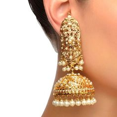 Gold Jhumka Earrings, Indian Jewelry Earrings, Indian Wedding Jewelry, Diamond Necklaces, Antique Jewellery Designs, Fancy Jewellery, Gold Jewellery Design, Stylish Jewelry, Bridal Jewellery Inspiration