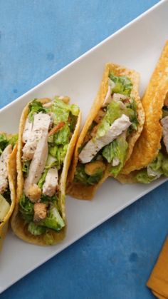 Caesar Salad Tacos If you have to eat salad, eat it as a taco. This fun twist on a chicken caesar salad will have everyone wanting more! If you have to eat salad, eat it as a taco. This fun twist on a chicken caesar salad will have everyone wanting more! Mexican Food Recipes, Diet Recipes, Chicken Recipes, Cooking Recipes, Healthy Recipes, Diabetic Recipes, Organic Recipes, Cheap Recipes, Food Recipes